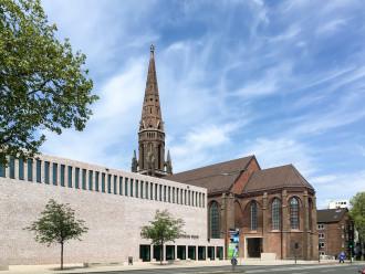 St.-Marien-Kirche und das Anneliese Brost Musikforum Ruhr